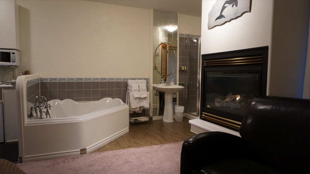 Castle on the Mountain - Bed & Breakfast and Cottage Accomodations Vernon BC - Gallery 4