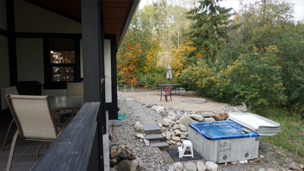 Castle on the Mountain - Bed & Breakfast and Cottage Accomodations Vernon BC - Gallery 9