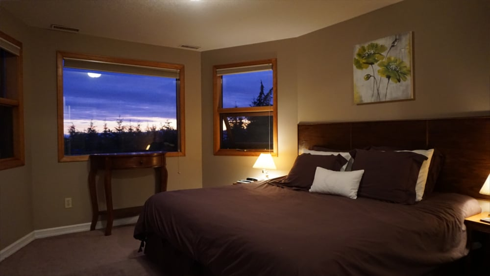 Castle on the Mountain - Bed & Breakfast and Cottage Accomodations Vernon BC - The Bastion Room 1 - 1920p
